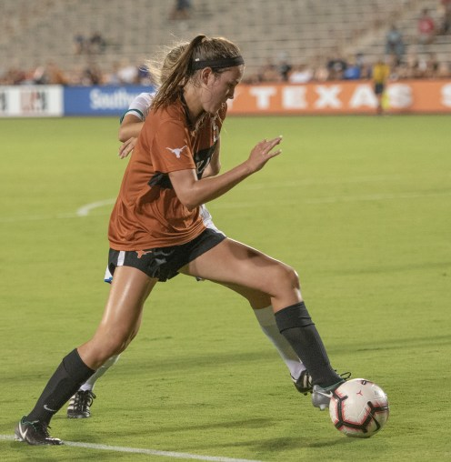 Newcomer from Austin, #5 Carlee Allen got some late action--look good here.