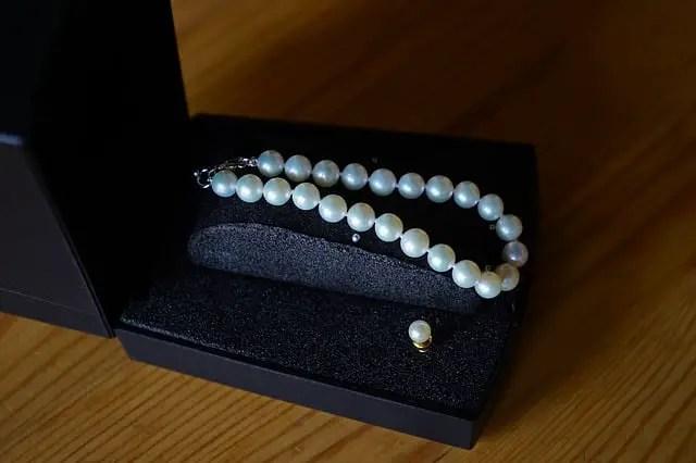 Brazalete de perlas, pulsera