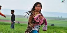 طفلة من مهجري حي الوعر في مخيم زوغرة في جرابلس – عدسة حسن الأسمر – المصدر تجمع ثوار سوريا