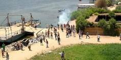 قتيل وعشرات المصابين في تفريق الشرطة محتجين غربي القاهرة