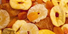 هل الفاكهة المجففة مفيدة حقاً؟