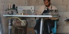 مشاريع صغيرة في الرستن تخفف معاناة وآلام الحصار
