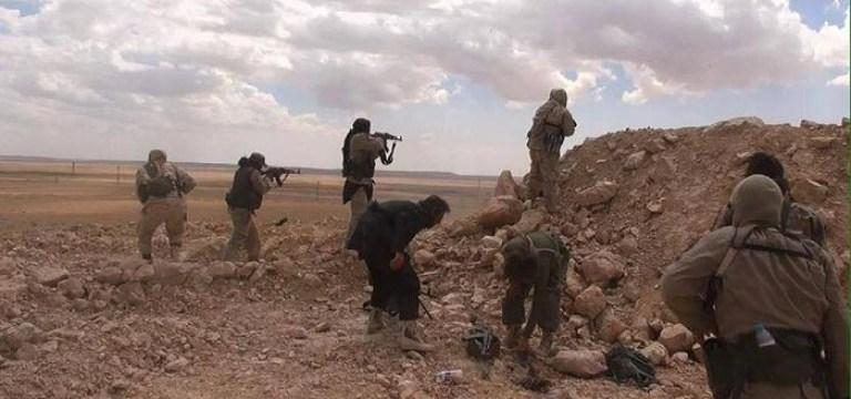 تنظيم الدولة يشن هجوماً معاكساً على قوات الأسد في الميادين