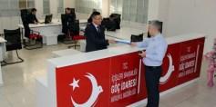 الهجرة التركية تلزم السوريين بتصديق أوراقهم الرسمية لتحديث بياناتهم