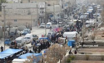 """""""سوق الخميس"""" في مدينة الباب شرقي حلب – عدسة حسن الأسمر"""