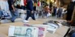 العملة الإيرانية تنهار أمام الدولار.. هبطت 26% في 6 أشهر