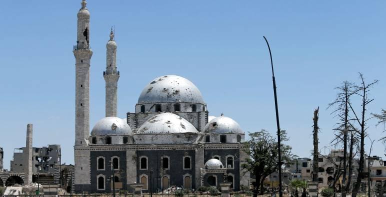 إقامة أول صلاة جمعة في مسجد خالد بن الوليد بمدينة حمص
