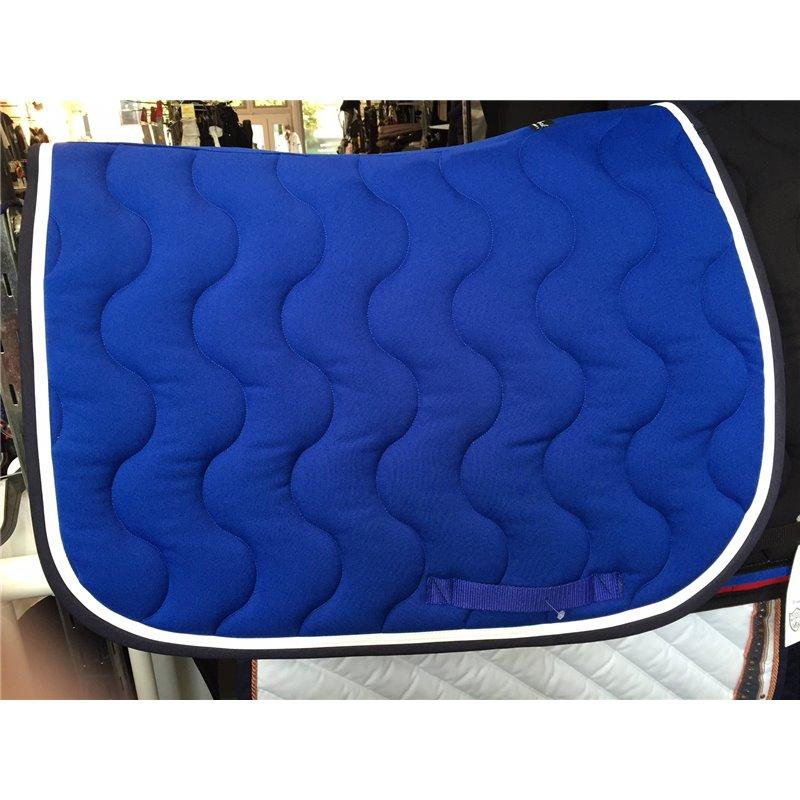 tapis bleu roi paddock galon marine et vernis blanc