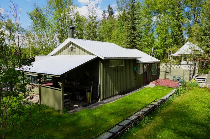 Waterfront Cabin with Breathtaking view on Horsefly Lake! 6515 Millar Road, Horsefly, BC