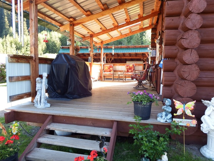 Court-ordered Sale: Log Home on 12.11 acres set up for Horses - 3225 Beaver Valley Road