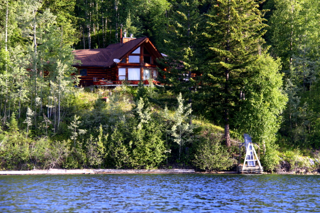New Price! Horsefly Lake Waterfront Log Home - 3556 Hatchery Road, Horsefly BC