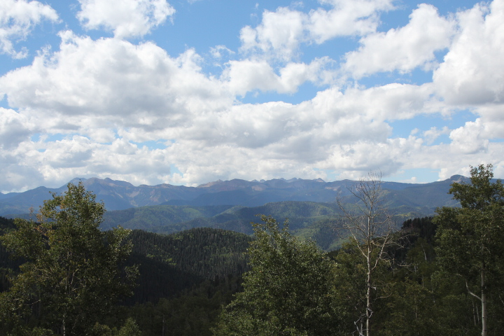 A view of La Plata mountains from Big Lick Trail.