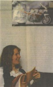 Dorthe Kock, der bor i nærheden af Vamdrup, holdt aftenens andagt. Den er fast punkt på dagsordenen, når medlemmerne MC Kilden modes,