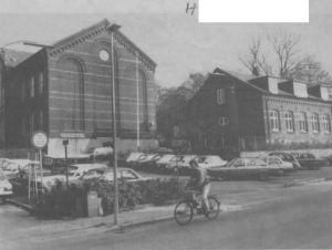 Kildecentret i Kildegade har tidligere været folkeskole, men nu er lokalerne overladt til vokseundervisningen. (Arkivfoto)