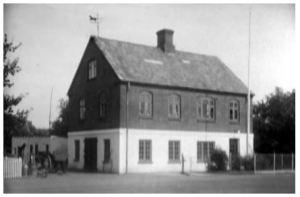 Henrik Jensen byggede i 1909 smedjen på Bygaden 85.