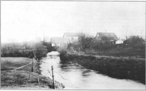 Sådan så Hansted Mølle og åen ud set fra vest omkring 1915.