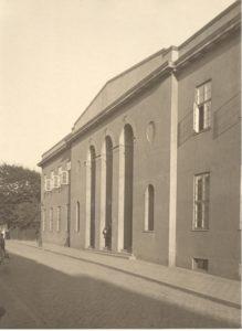 """"""" Forsamlingsbygningen - Valencia set udefra"""" 1923"""