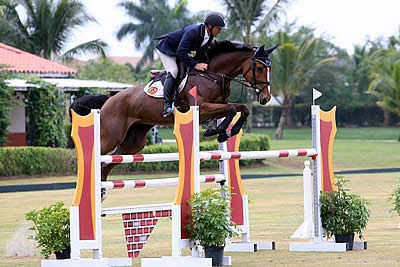 Darragh Kerins and Ali Wolff Capture the Wellington Turf Tour 1.30m-1.35m Victories