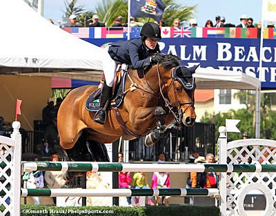 USET Foundation Presents 2014 Maxine Beard Award to Jessica Springsteen