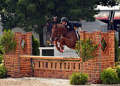 Judges Love Raymond and Molly Sewell in $5,000 USHJA National Hunter Derby