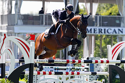 Julie Welles Jumps to Victory on Opening Day of 2014 American Gold Cup CSI4*-W