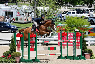 Eve Jobs and Quickley 3 Take Top Spot in Medium A-O/Jr. Jumpers at Kentucky Spring Horse Show