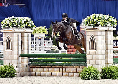 Crenshaw and Maggiore Win $10k WIHS Children's and Adult Hunter Championships