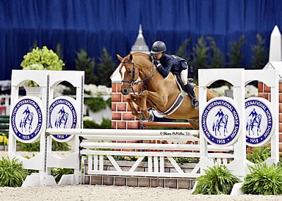 Storyteller and Mimi Gochman Earn Grand Pony Hunter Championship to Conclude WIHS