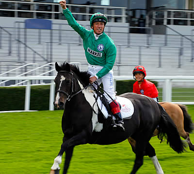 Anthony McCoy and Frankie Dettori Announce Their Teams to Compete at Olympia
