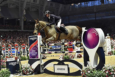 Julien Epaillard Is Roque Solid in Longines FEI World Cup Jumping Leg