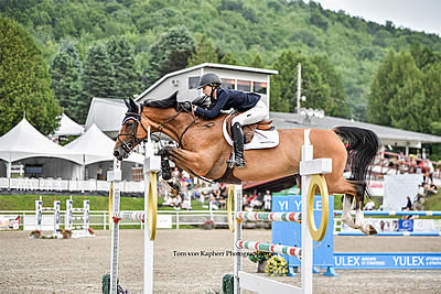 Lucy Deslauriers Wins Again in Bromont