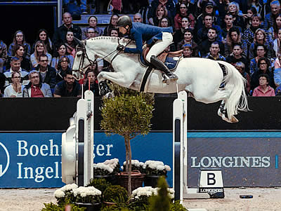 Fuchs Flies to Victory at Longines Leg in Lyon