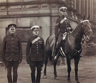 Supt Blanchard at the Milisa Barracks in Stanley Street; PC 945 Sinhock – PS 1671 Glassfield riding Margaret.