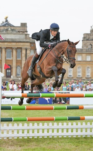 William Fox-Pitt and Seacookie, winner of the CCI*** at The Fidelity Blenheim Palace International Horse Trials 2012.