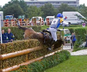 A study of eventing falls found that most riders blamed themselves. © Evalyn Bemis