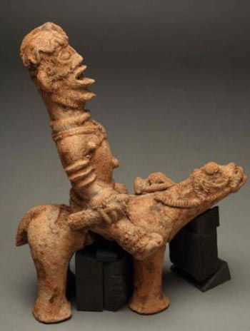 A figurine depicting a rider on a horse, or possibly a camel Figurine Photo: University of Manchester/University of Ghana
