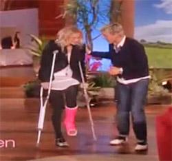 Cuoco hops onto the Ellen show