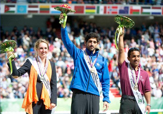 Endurance winner Sheikh Hamdan bin Mohammed Al Maktoum, with silver medalist Marijke Visser, and bronze medalist Abdulrahman Saad A.S Al Sulaiteen.