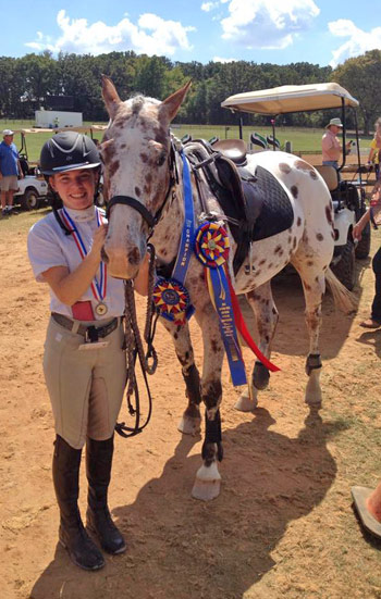Melissa Morris and palouse RSR Private Eye, who won the Beginner Novice Junior (14 & Over) division.