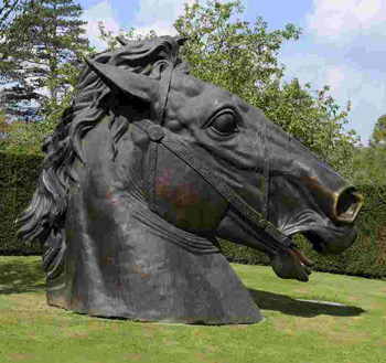 The other giant horse-head bronze to go under the hammer.