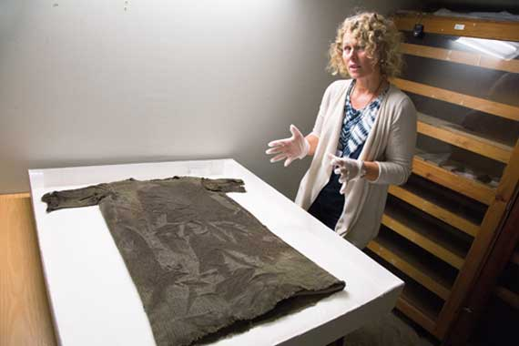 Researcher Marianne Vedeler hopes that, in reconstructing the Iron Age tunic found on a Norwegian glacier, much will be learnt about how the textile was made, how time-consuming it was to make, and how the wool was used, explains. Photo: Yngve Vogt/University of Oslo