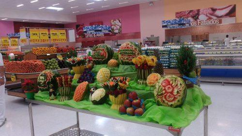 Decoração de frutas legumes. As profissões do Hortifruti