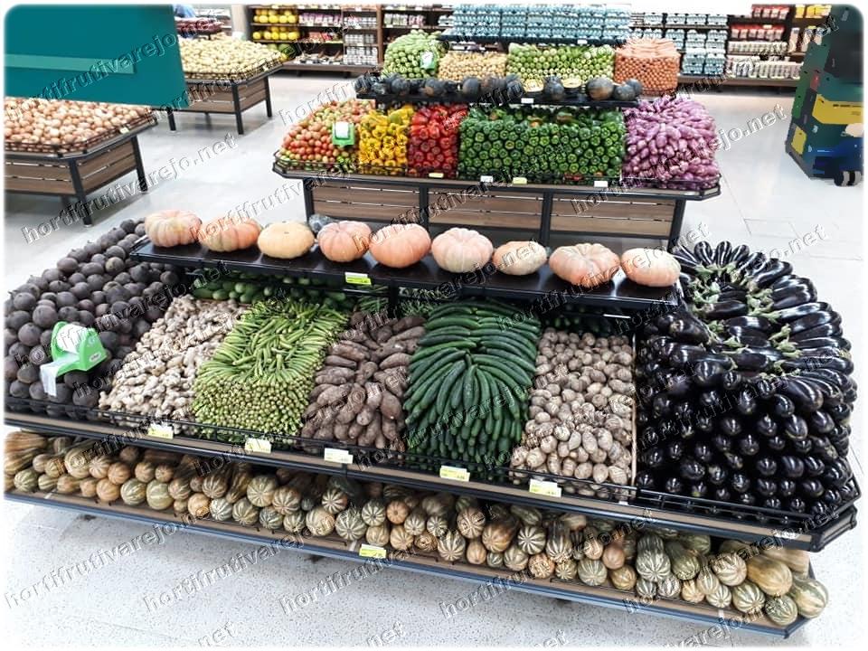 Exposição de hortifruti Legumes frutos e tuberculos