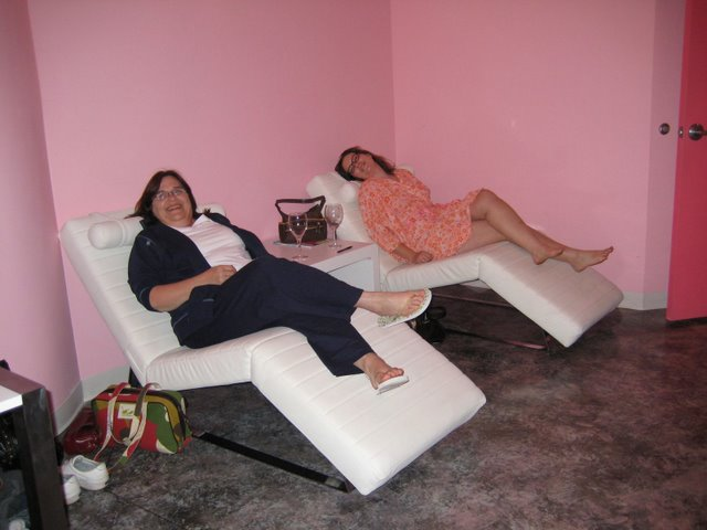 """Tyra and I seriously """"lounging"""""""