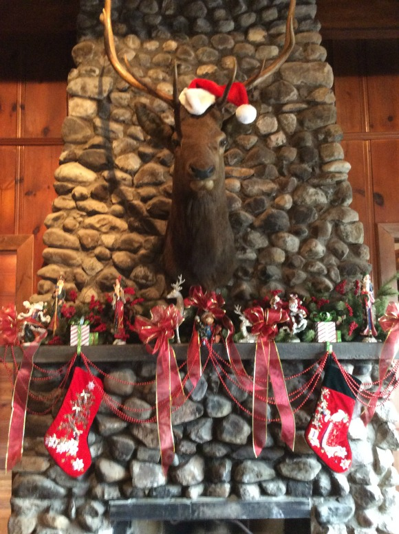 Decorating A Mantle for Christmas