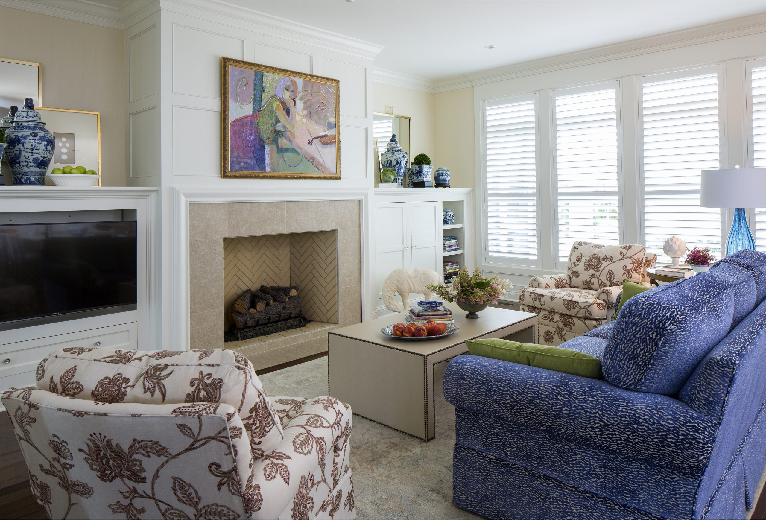 hoskins-interior-design-indianapolis-in-starting-an-art-collection-contempoarary-living-room-abstract-art