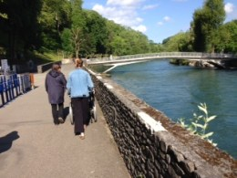 Walking along the Gave river