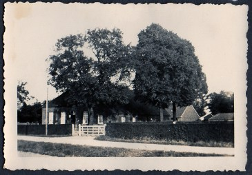 oldest known picture of the house