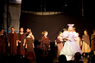 1-8-2012_Cayman_Theater_Wicked_Performance_1_IMG_31261
