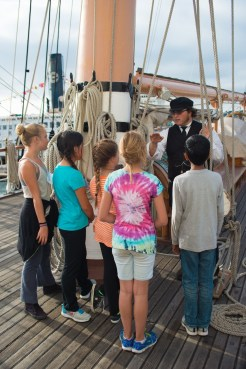 Capitan explains the block and tackle - Star of India 2015